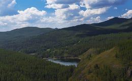 Lago nas montanhas Altai Rússia fotos de stock