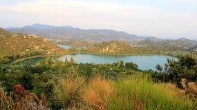 Lago natural no vale da vida Imagens de Stock