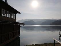 Lago nebuloso fotografia de stock royalty free