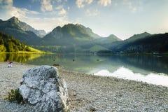 Lago negro en Suiza Imagen de archivo