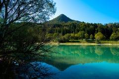 Lago nei alpes francesi Fotografie Stock Libere da Diritti