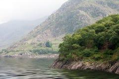 Lago nel cittadino del parco di Snowdonia Immagini Stock