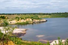 Lago nel paesaggio di estate Immagini Stock Libere da Diritti