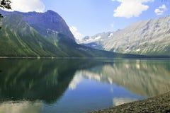 Lago nel paese di Kananaskis - Alberta - Canada immagini stock libere da diritti