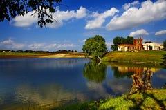 Lago nel pascolo di Bashang Immagine Stock