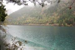 Lago nella montagna Immagini Stock