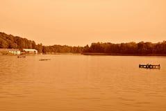 Lago nella seppia Immagine Stock