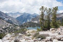 Lago nella sierra Nevada Mountains Fotografia Stock Libera da Diritti