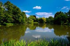 Lago nella sosta di Lednice Fotografia Stock Libera da Diritti