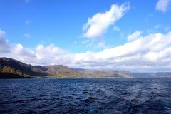 Lago nella stagione di autunno Immagini Stock Libere da Diritti