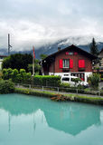 Lago nelle montagne, Svizzera di verde blu Fotografie Stock
