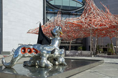 Lago Ness Monster della scultura da Niki de Saint Phalle Fotografia Stock