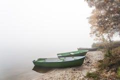 Lago nevoento Fotografia de Stock