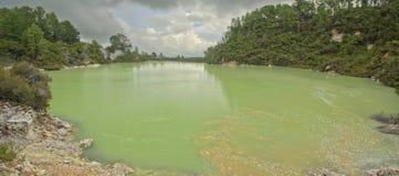 Lago Ngakoro, WaiOTapu fotos de archivo