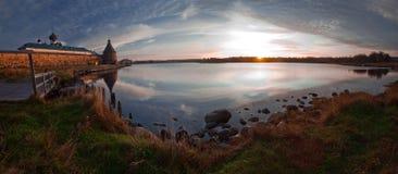 Lago no amanhecer Imagens de Stock