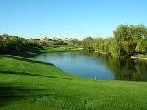 Lago no campo de golfe Fotografia de Stock