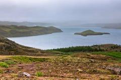 Lago no parque nacional de Pingvellir, Islândia. fotos de stock