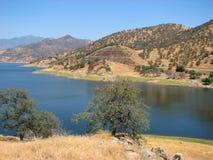 Lago no parque nacional de Sequoia, Califórnia foto de stock