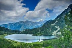 Lago no parque nacional Pirin imagem de stock royalty free