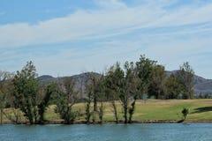 Lago no parque regional de Prado, Chino Hills, San Bernardino fotos de stock royalty free