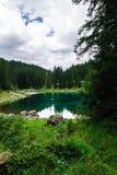 Lago nos cumes Imagens de Stock