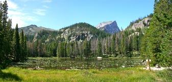 Lago nymph, parque nacional de la montaña rocosa Imagen de archivo libre de regalías