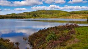 Lago o il Tarn mountain nelle montagne cambriane fotografia stock