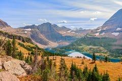 Lago ocultado La visión desde el lago ocultado pasa por alto Par nacional del glaciar imagen de archivo libre de regalías