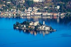 Lago Orta, isla de San Julio, Italia Foto de archivo libre de regalías