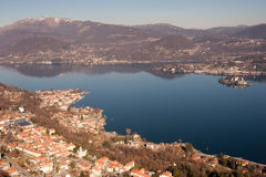Lago Orta, paisaje italiano famoso Imagen de archivo