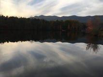 Lago pacífico foto de archivo