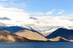 Lago Pangong, Leh, Ladakh, la India Foto de archivo libre de regalías