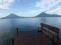 Lago panorámico Atitlan Foto de archivo libre de regalías