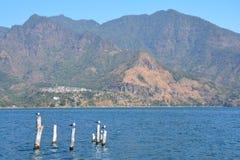 Lago panorámico Guatemala Atitlan de los paisajes imagen de archivo