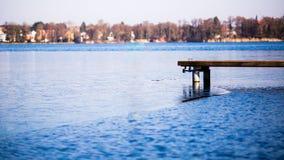 Lago parcialmente congelado Imagem de Stock Royalty Free