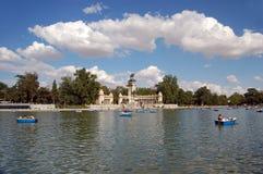 Lago park de Retiro, Madrid fotografía de archivo libre de regalías