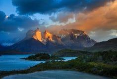 Lago Pehoe, nationalpark Torres del Paine in Arkivbild