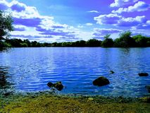 Lago pelo nigjt Foto de Stock Royalty Free