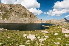Lago perso man 12.482 piedi in Colorado centrale Fotografia Stock