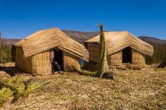 Lago Peru Uro Titicaca 2 cabanas imagens de stock