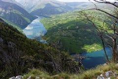 Lago Perucac, punto di vista Banjska Stena, montagna Cesalpina, Serbia occidentale Immagini Stock Libere da Diritti