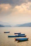 Lago Phewa en Pokhara, Nepal foto de archivo libre de regalías