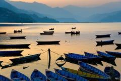 Lago Phewa en Pokhara, Nepal fotos de archivo