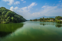 Lago Phokara nel Nepal fotografie stock libere da diritti