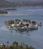 Lago Pichola palace de Mandir de la punta Imagen de archivo