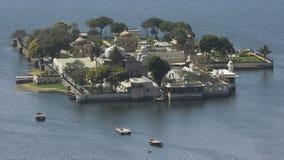 Lago Pichola palace de Mandir de la punta Fotos de archivo libres de regalías