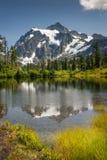 Lago picture, Mt Bosque del Estado del panadero-Snoqualmie imagen de archivo