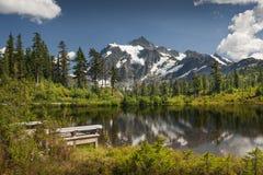 Lago picture, Mt Bosque del Estado del panadero-Snoqualmie fotografía de archivo