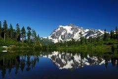 Lago picture y mt shuksan Fotografía de archivo