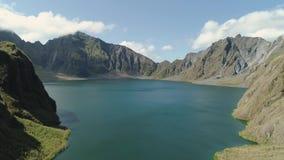 Lago Pinatubo, Filipinas, Luzón crater almacen de metraje de vídeo